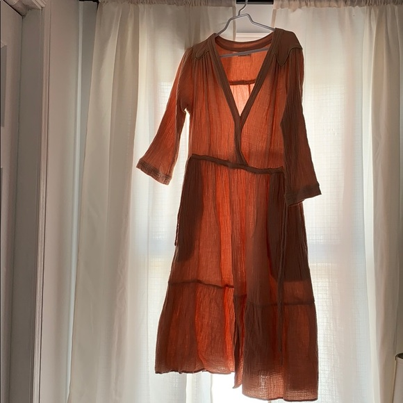 Dresses & Skirts - size small peach dress